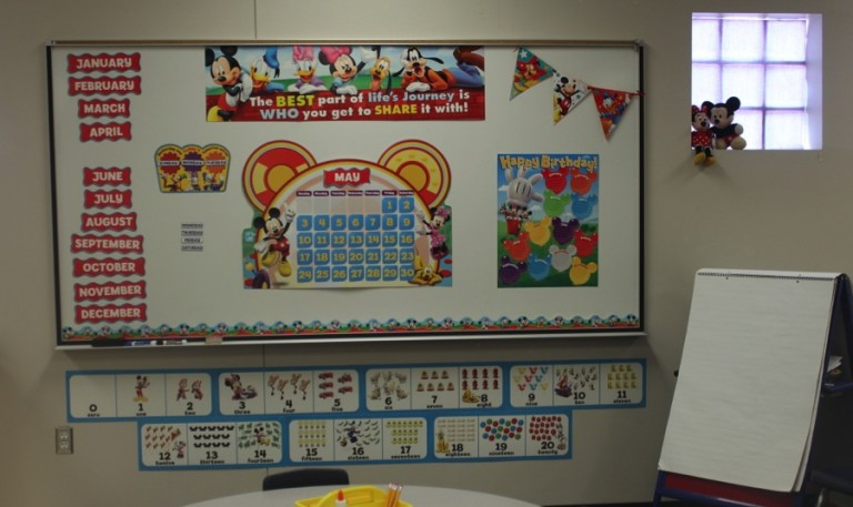 Disney Classroom Makeover with Simply Kinder.  Check out how we transformed a class with bulletin boards, desk plates, and classroom decor with Mickey Mouse decor from Eureka Schools.