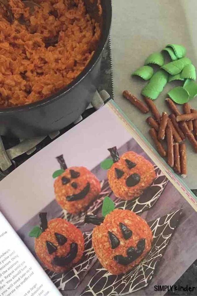 "Super Cute Crispy Treats pumpkin treats! Free printable ""A Pumpkin for the Teacher."""
