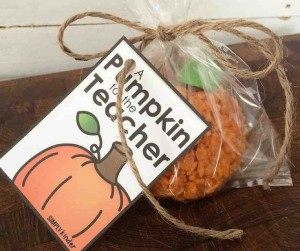 Spoil your teacher friends with this super delicious super sweet crispy treat! A Pumpkin for the Teacher free printable from Simply Kinder!