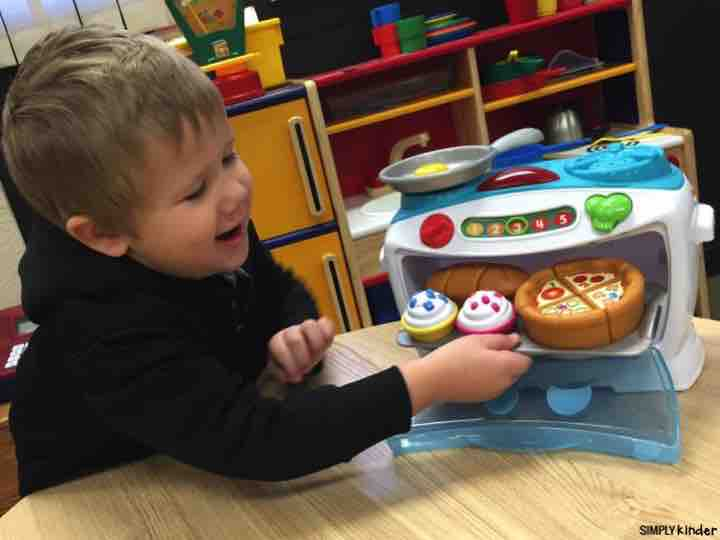 Number Lovin Oven from LeapFrog is a great dramatic play item for preschoolers!