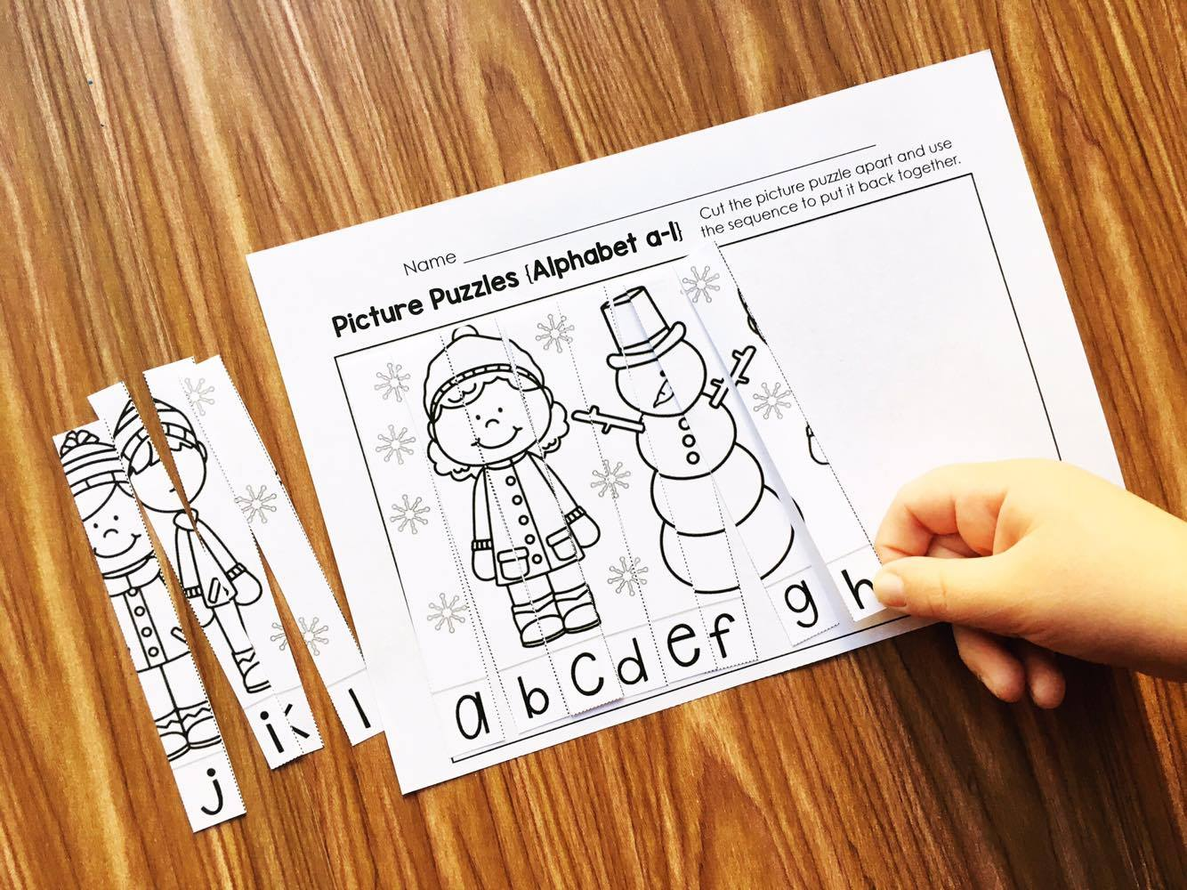 Winter Picture Puzzles from Simply Kinder. These make a great whole class activity or literacy and math center for the winter.