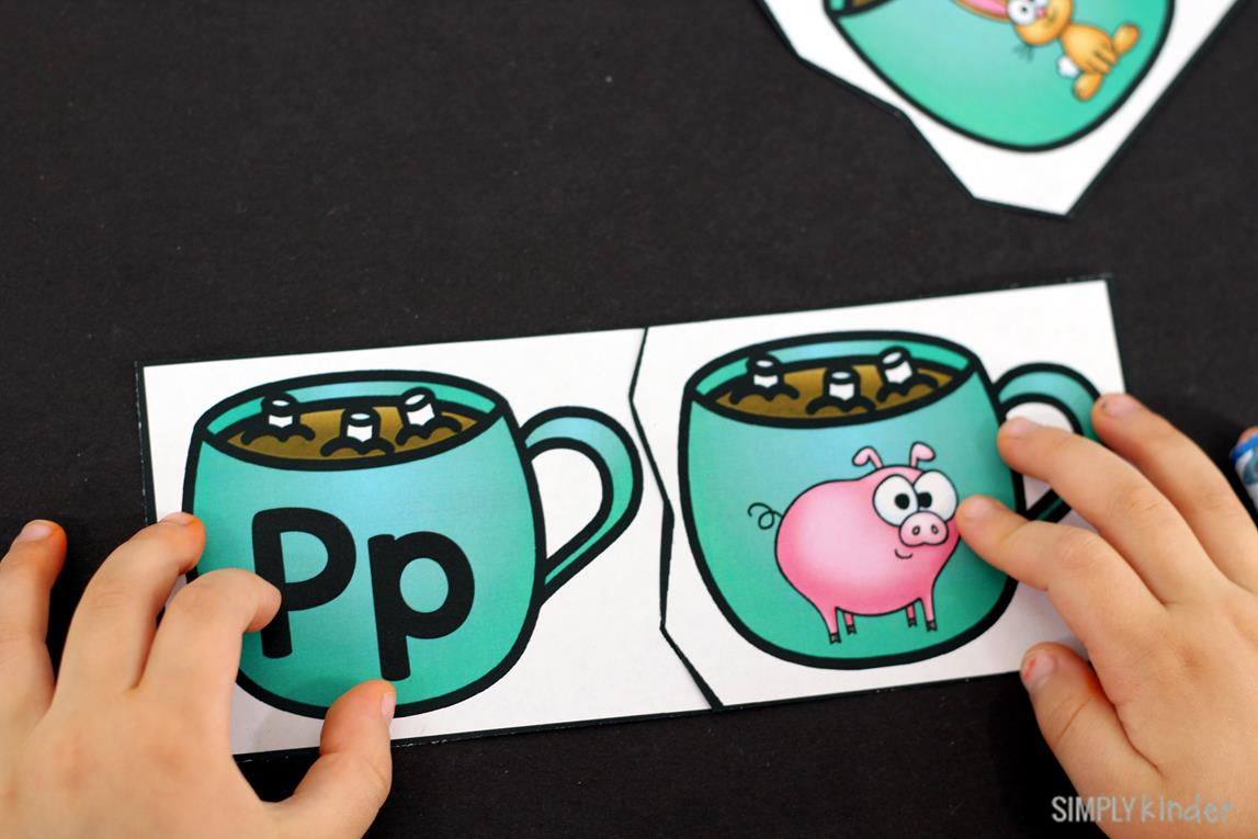 Initial Sounds Hot Cocoa Puzzles is the perfect free printable for your preschool and kindergarten students this holiday season.