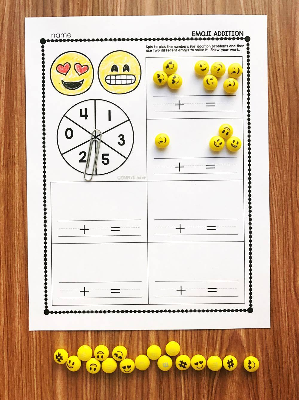 ADDITION ACTIVES: Free activities for Emoji Conversation Hearts and Emoji M&M's. These are prefect for kindergarten and first grades.