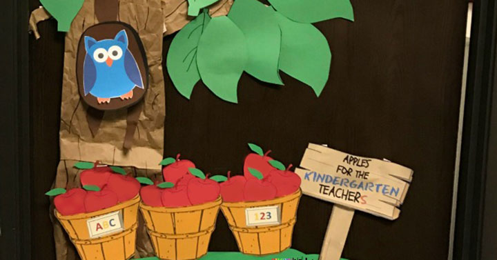 Back to School Apple Tree Classroom Decoration
